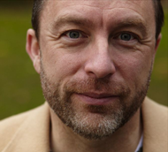 Wer kann diesem Jimmy Wales bei diesem Blick eine Spende abschlagen?