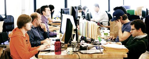 Foursquare-Team bei der Arbeit. Das Unternehmen sucht derzeit händeringend nach neuen Kapitalgebern.