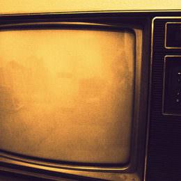 Second-Screen-Quoten: Bei Fernsehsendern, Twitter und Facebook tut sich (endlich) was