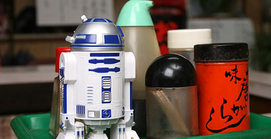 star-wars-r2-d2-soy-sauce-bottle-2