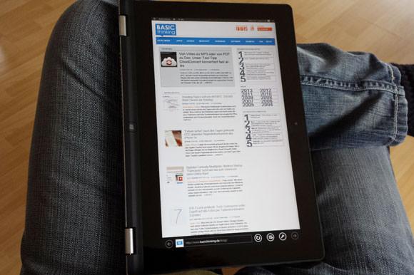 Klappt man die Tasten komplett nach hinten, bedient sich das Yoga 11S wie ein typisches Tablet.