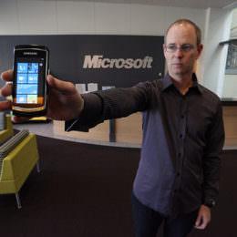 """Nervosität in Redmond: Microsofts PR-Chef keilt gegen prominenten """"NYT""""-Journalisten nach Windows-8.1-Verriss"""