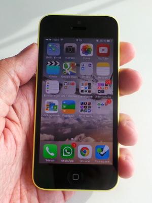 iphone-5c-hand