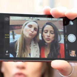 """Mit """"Pic Nix"""" kann man sich über lästige Instagram-Bilder beschweren. Das Interessante daran ist etwas umständliche Technik dahinter."""