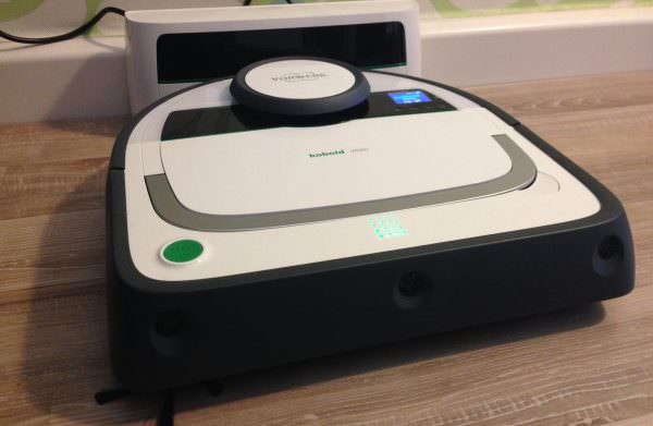 An der Basisstation wird der Kobold VR 200 aufgeladen