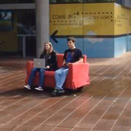 Couch mit Gamepad fernsteuern: Studentenprojekt zeigt, was mit alltäglichen Gegenständen möglich ist