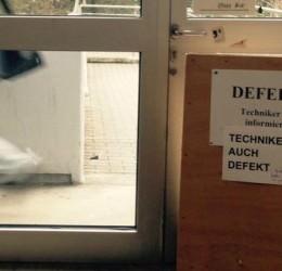 Netzmüll:er: #Technikeristinformiert – Wie Studenten eine defekte Tür ins Netz befördern