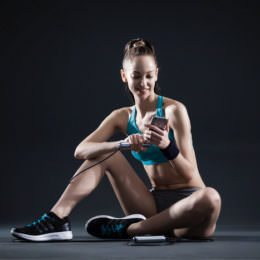 BASIC Gadgets: Fünf smarte Begleiter für Eure Fitness