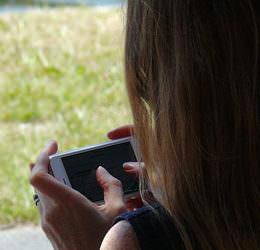 Anstieg um über 100 Prozent: Kinder verbringen deutlich mehr Zeit vor Bildschirmen
