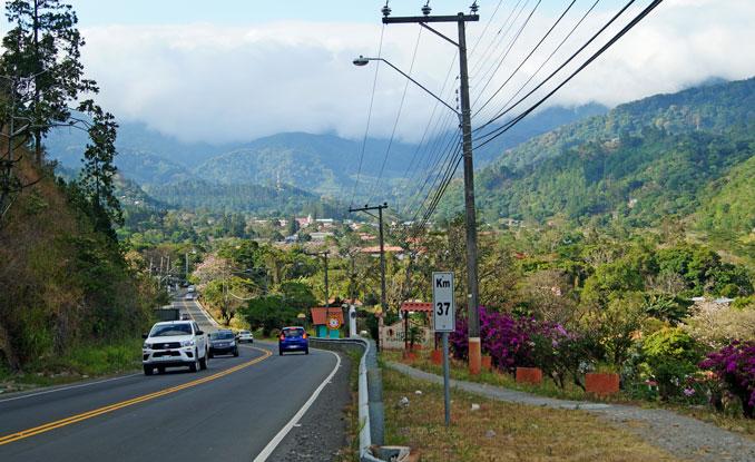 Straße nach Downtown Boquete