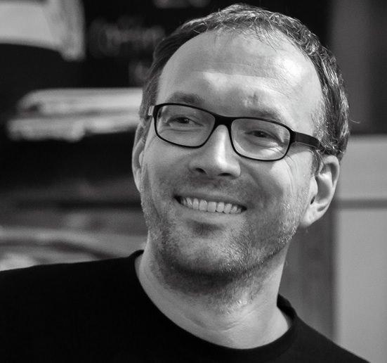 Tobias Baier hilft mit dem Einschlafen Podcast beim Einschlummern.