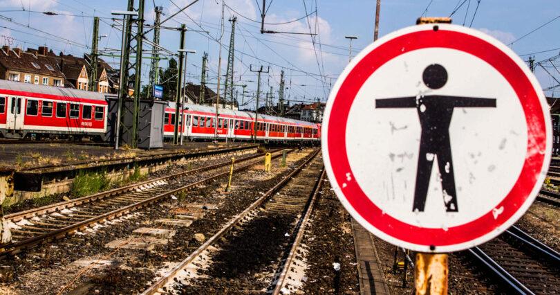 Person im Gleis, Warnung, Regio, Hannover, Deutsche Bahn