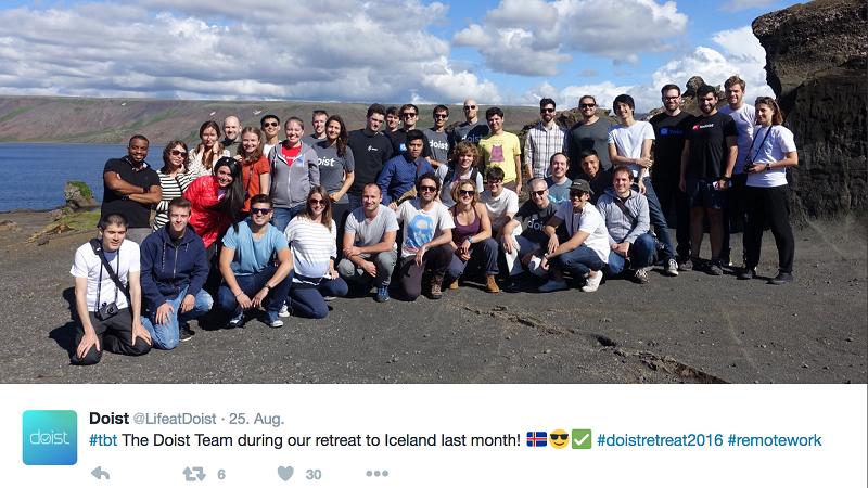 """Das Doist Team beim Jahrestreffen 2016 in Reykjavik. Die Mitarbeiter treffen sich einmal pro Jahr an einem """"neutralen"""" Ort (Bild: Doist)"""
