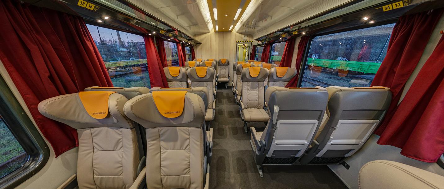 Großraumbereich des Zuges von Locomore