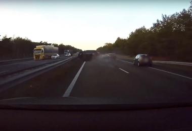 Tesla Video Unfall Dashcam