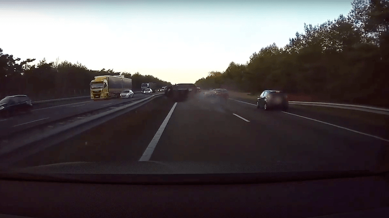 Tesla Video Unfall Dashcam