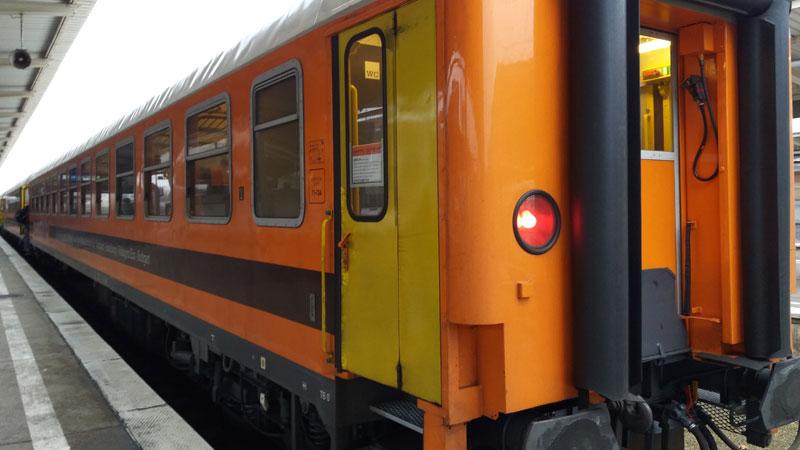 Locomore-Zug in Berlin-Lichtenberg