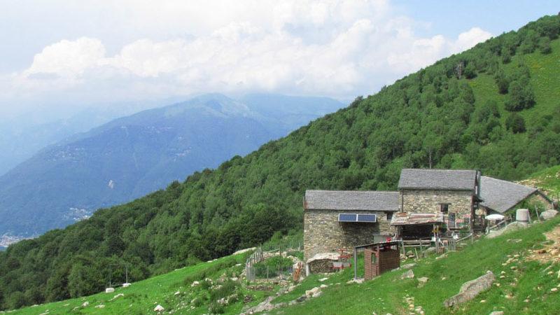 Zu den letzten Bergbauernhöfen im Tessin wandern - Alpe Cedullo