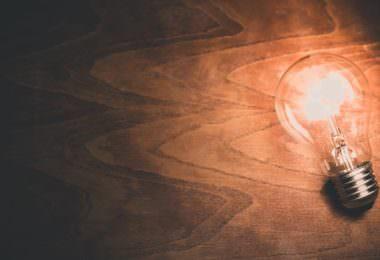 Idee Licht Glühbirne Inspiration Motivation, Content-Marketing-Manager IHK