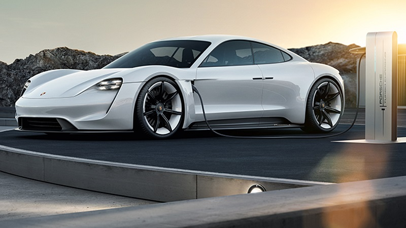 Porsche Mission E Ladestation