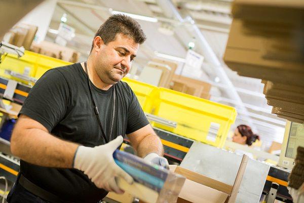 Amazon, Logistikzentrum