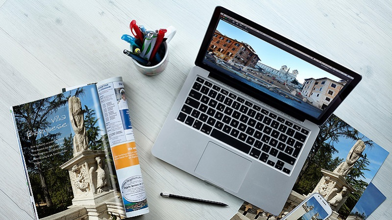 Mac, Laptop, Computer, Smartphone, Schreibtisch, Arbeitsplatz, schlechte Werbung