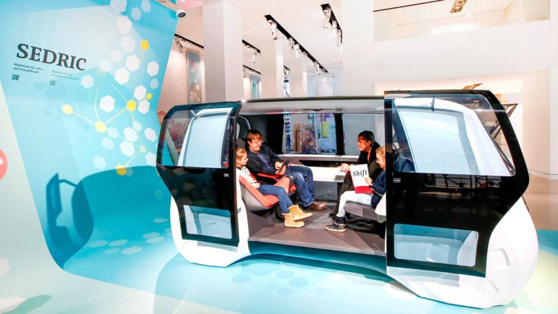 """Konzept-Fahrzeug Sedric in der Ausstellung """"Shift"""" des Volkswagen-Konzerns (Bild: Volkswagen)"""