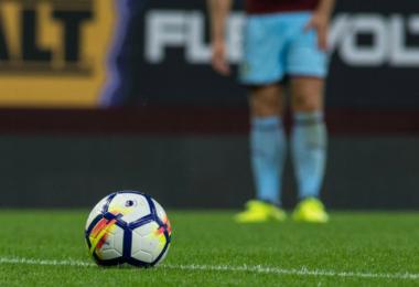 Trikotärmel-Vermarktung in der Premier League: Status Quo