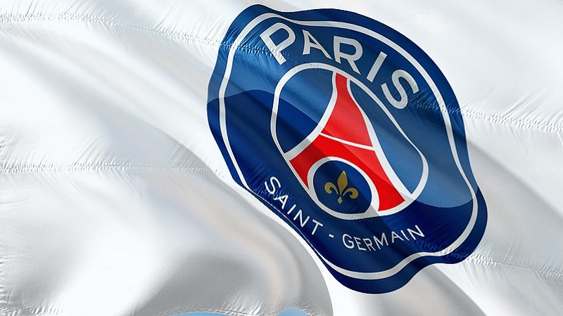 Paris, Paris Saint-Germain, Fahne, Logo, Social-Media-Post