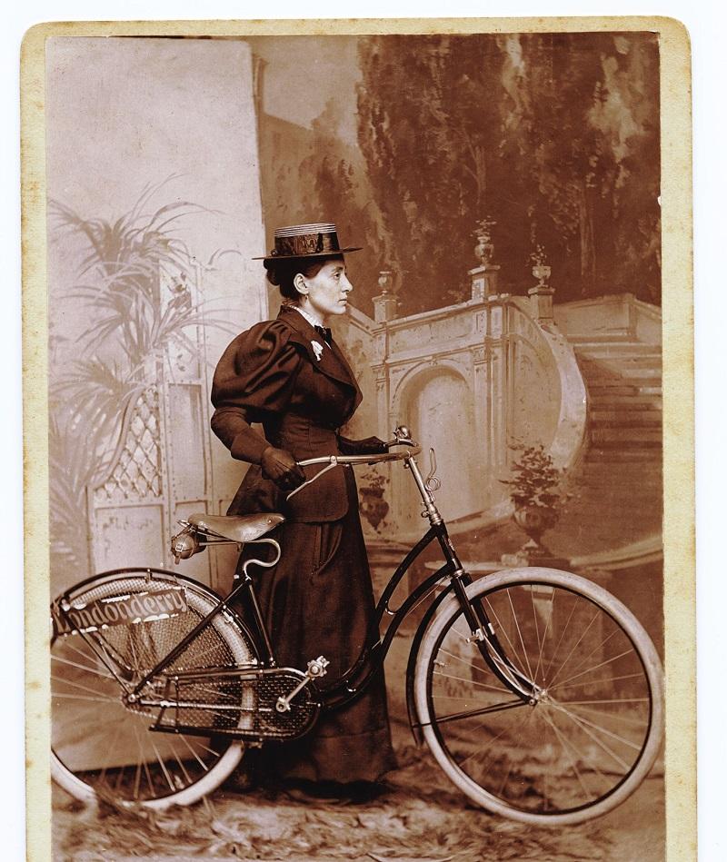 Annie Londonderry Columbia-Fahrrad Kleid