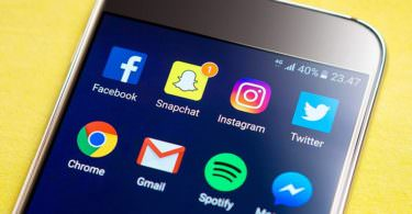 Smartphone, Snapchat, Facebook, Instagram, Twitter, Spotify, Chronologie