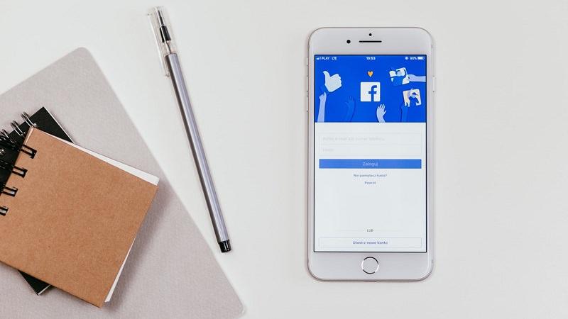 Facebook, Tisch, Schreibblock, Block, Notiz, Bezahlmodell