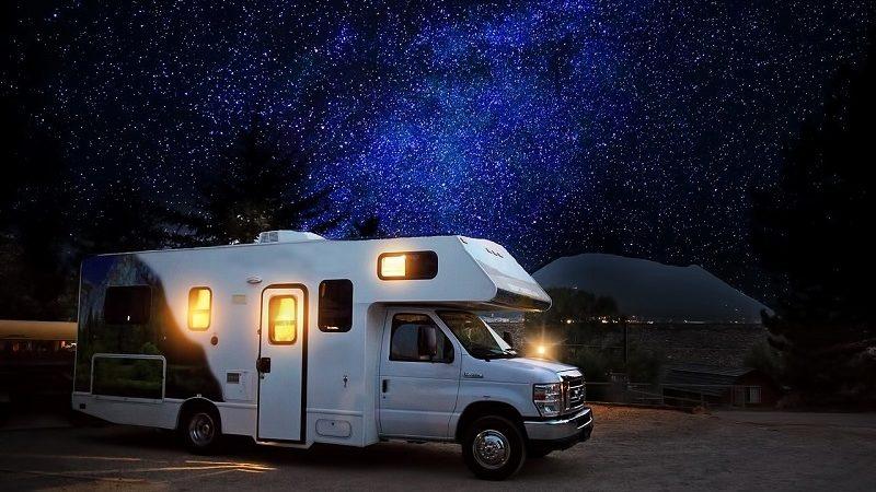 Wohnwagen Nacht Sterne
