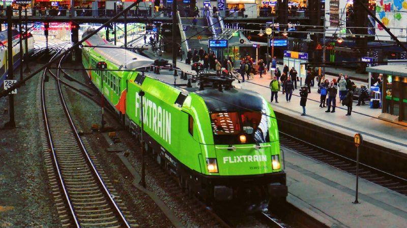 Flixtrain Zug Bahnhof