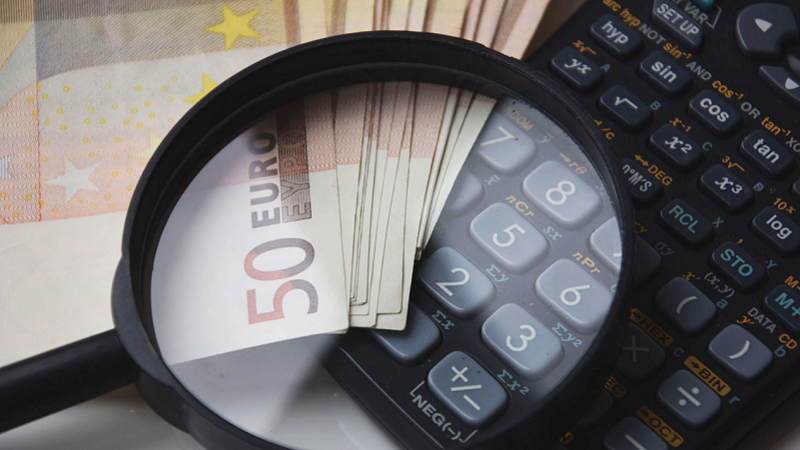 Geld, Lupe, Taschenrechner, 50 Euro, Kapital