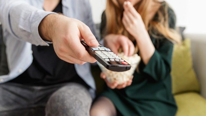 Popcorn, TV, Fernseher, Fernbedienung, Amazon Prime im September