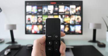 Netflix, Smart TV, Fernseher, Fernbedienung, Netflix-Werbung deaktivieren, Netflix-Werbung ausschalten, Netflix im September, Netflix im Oktober