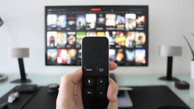 Netflix, Smart TV, Fernseher, Fernbedienung, Netflix-Werbung deaktivieren, Netflix-Werbung ausschalten, Netflix im September