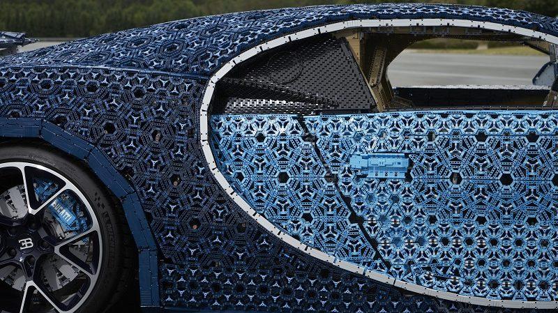 Lego Bugatti Chiron Seitenansicht
