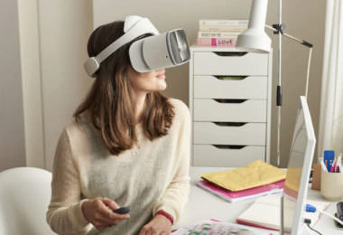 Lenovo Mirage Solo VR-Headset Test Magenta VR