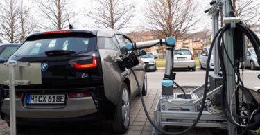 Tank-Roboter, Schnellladen, E-Fahrzeuge