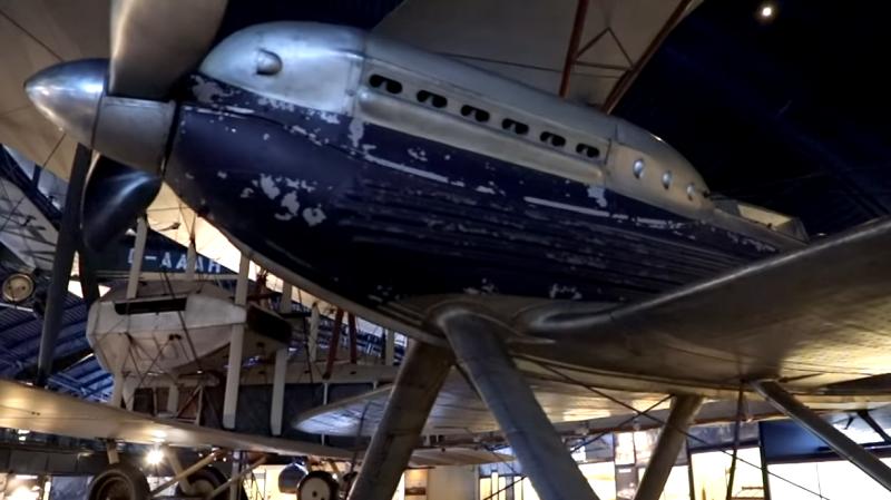 MIT ionischer Wind Flugzeug