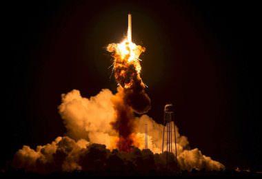Rakete, Raketenstart, Rocket, Launch, Instagram-Champions