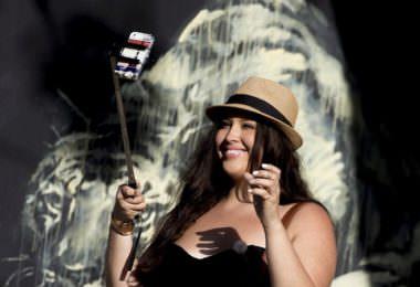 Selfie, Selfie-Stick, Influencer, Influencer-Fails