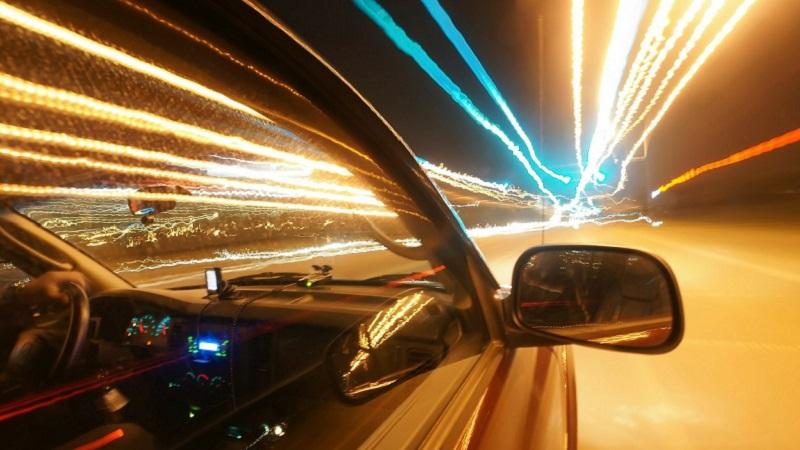 Beschleunigung, Zeitraffer, Lichter, Auto, europäische Start-ups