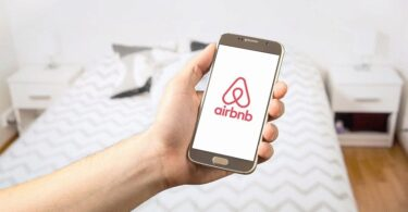 Airbnb Logo Smartphone