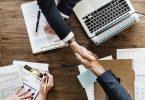 Handschlag, Geschäftsleute, Unternehmen, Büro, B2B, B2B-Commerce, Vereinbarung