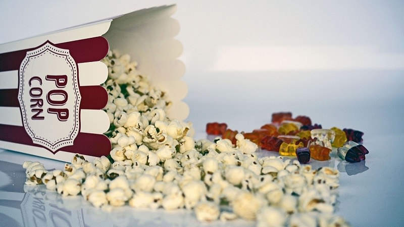 Popcorn, Gummibärchen, Kino, Netflix im April