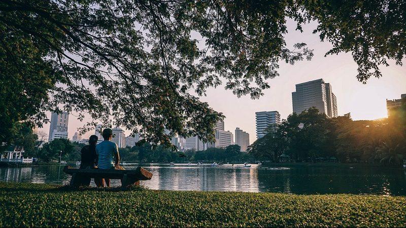 Stadt Pärchen im Park