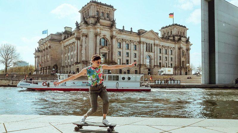 Stark Board Frau Skateboard Berlin